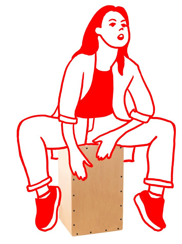 Cajon Spielerin Mädchen spielt Cajon